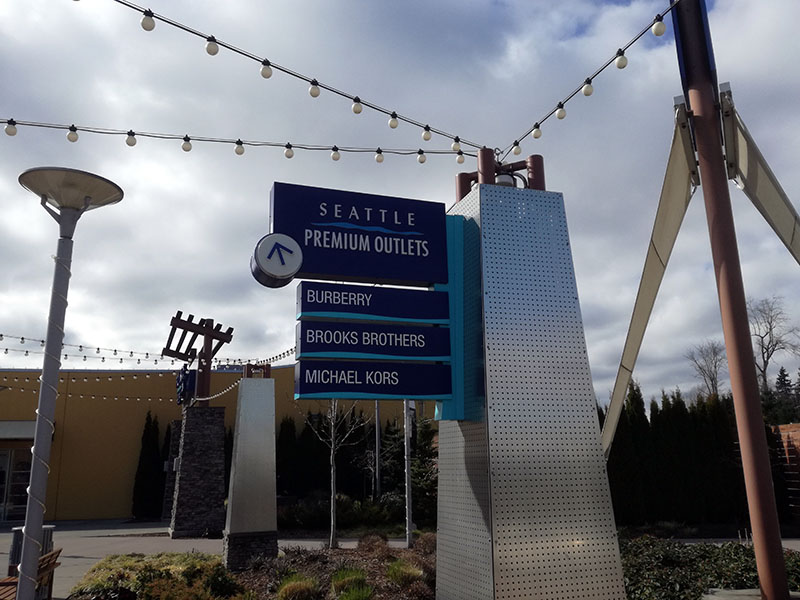 Seattle Premium Outlets in Tulalip